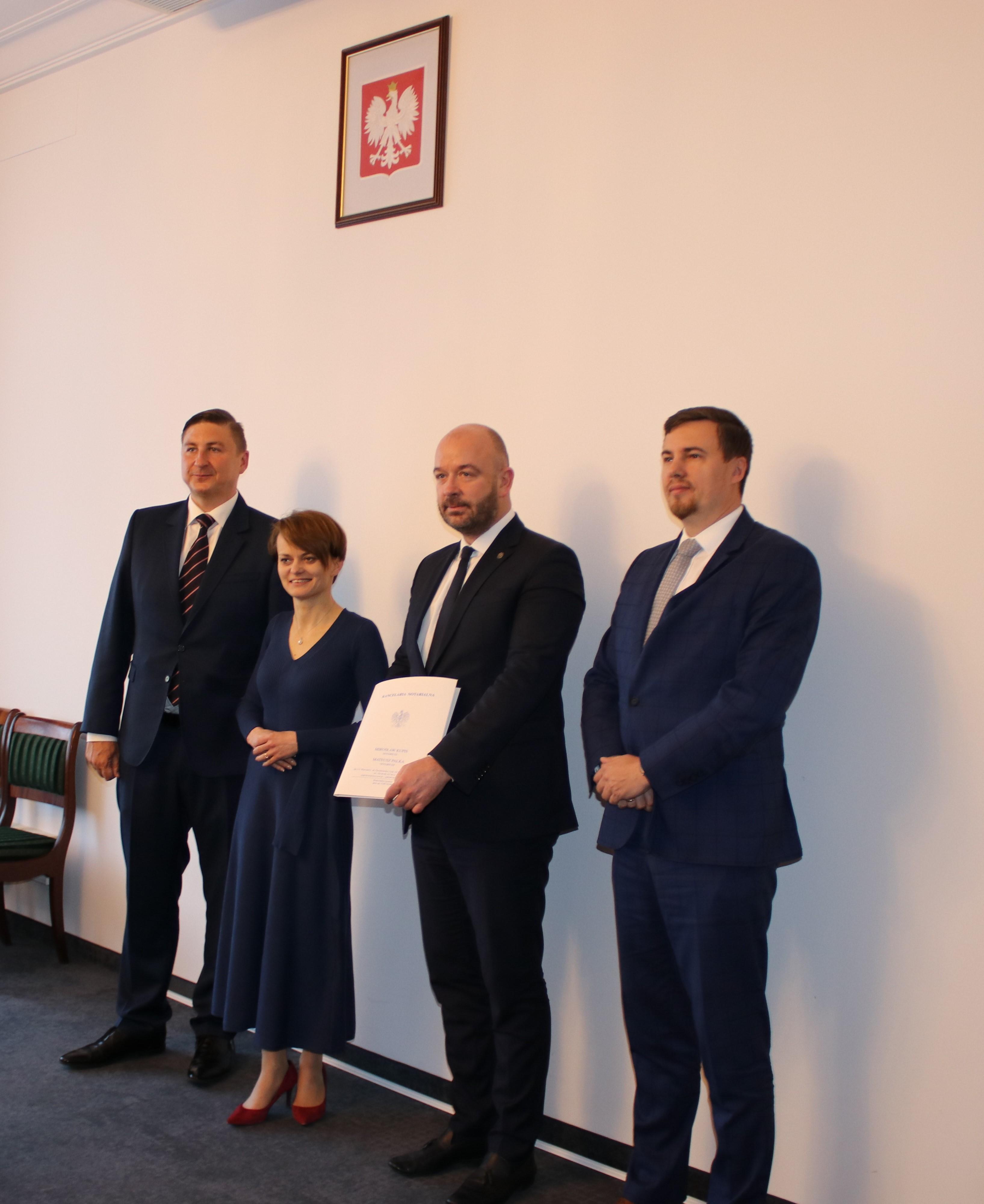 Grunt to…nauka! KZN przekazał działkę pod budowę zespołu  szkolno-przedszkolnego we Wrocławiu.